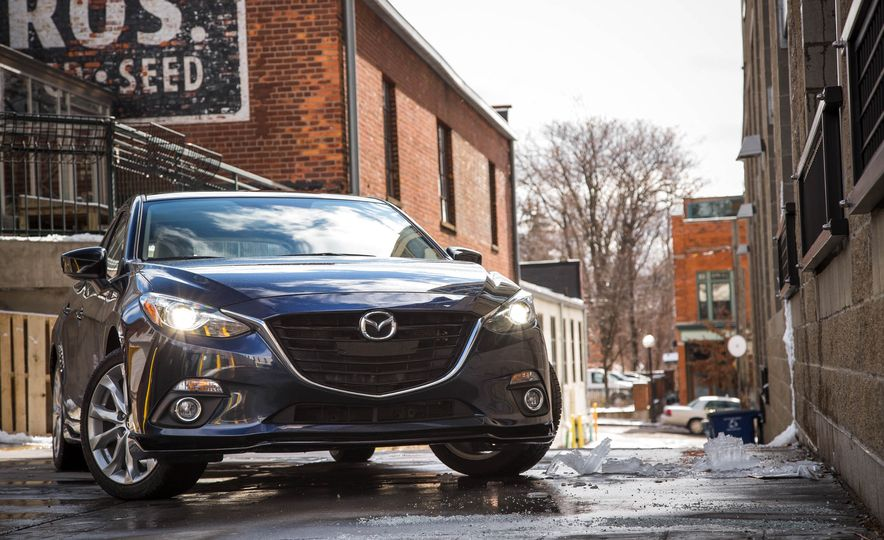 2015 Mazda 3 2.5L hatchback - Slide 19