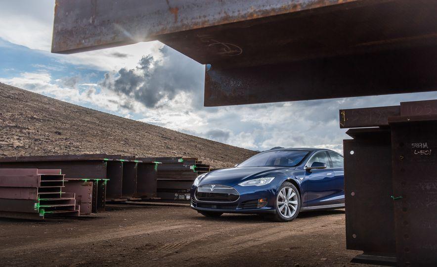 2015 Tesla Model S - Slide 4