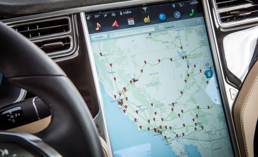 2015 Tesla Model S - Slide 8
