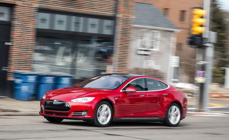 2015 Tesla Model S P85D - Slide 38