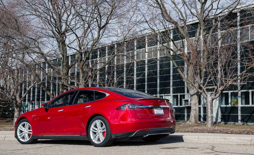 2015 Tesla Model S P85D - Slide 42