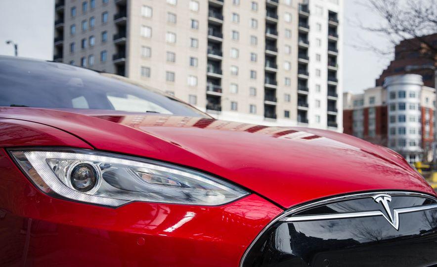 2015 Tesla Model S P85D - Slide 43