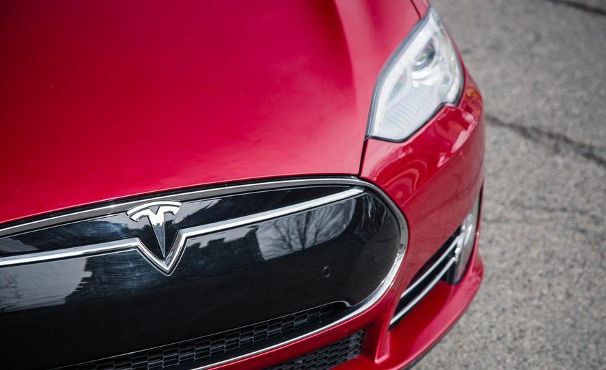 2015 Tesla Model S P85D - Slide 44