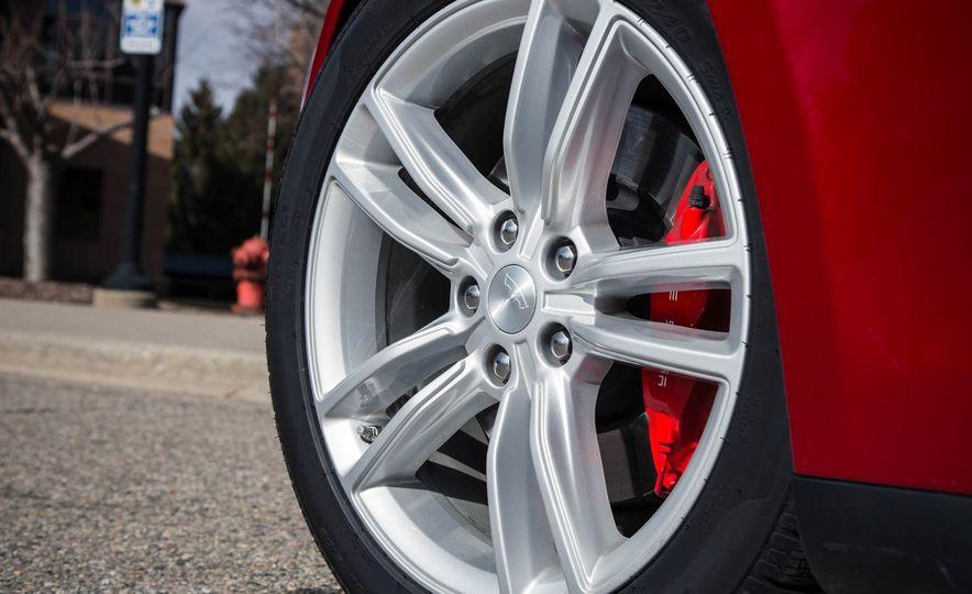 2015 Tesla Model S P85D - Slide 45