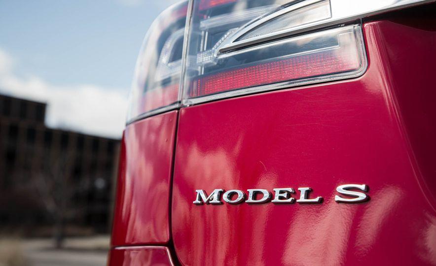 2015 Tesla Model S P85D - Slide 46