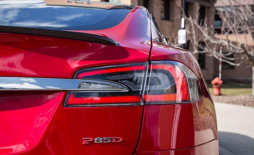 2015 Tesla Model S P85D - Slide 47
