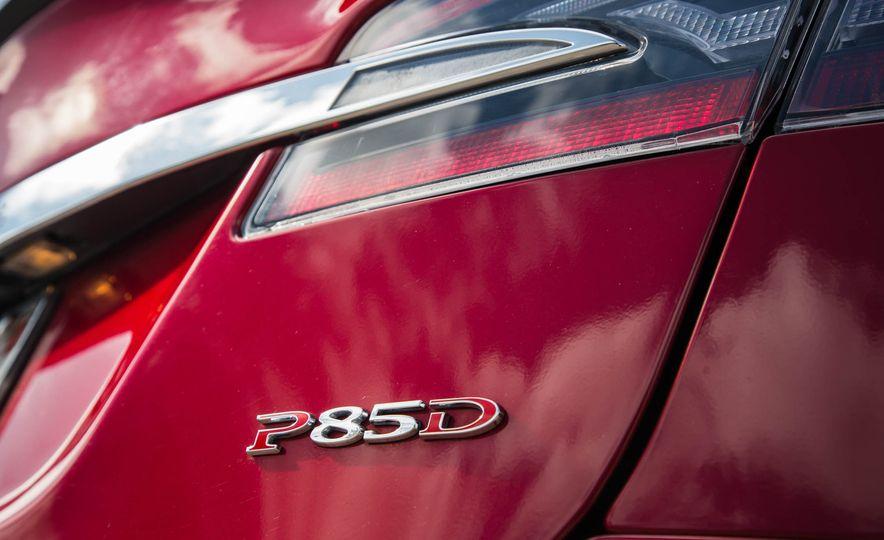 2015 Tesla Model S P85D - Slide 49