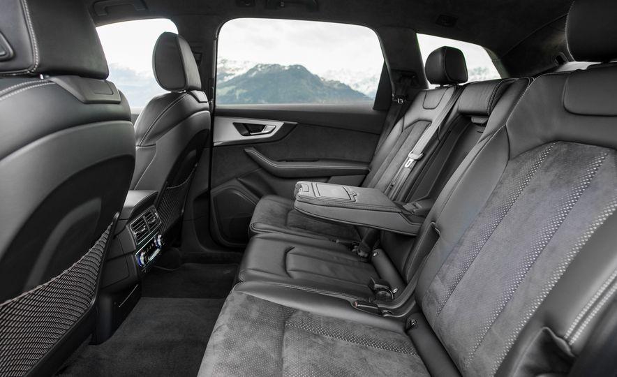 2017 Audi Q7 TDI Quattro - Slide 14