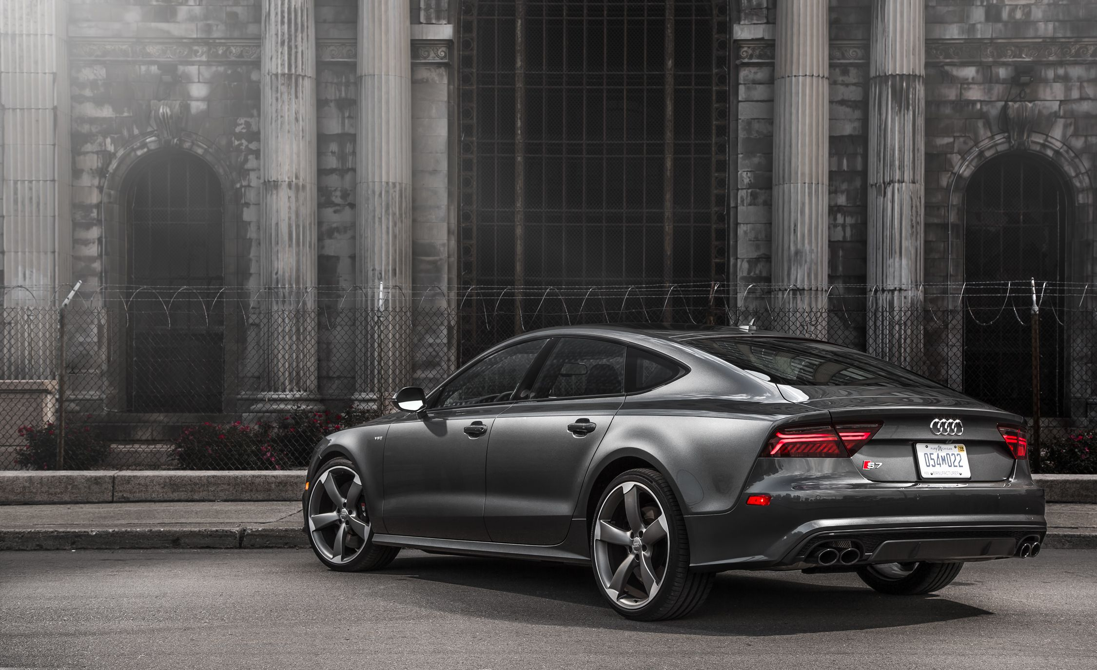Audi S7 Reviews | Audi S7 Price, Photos, and Specs | Car and Driver