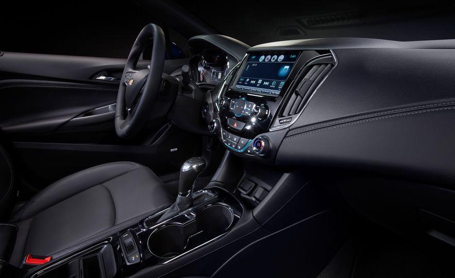 2016 Chevrolet Cruze - Slide 7