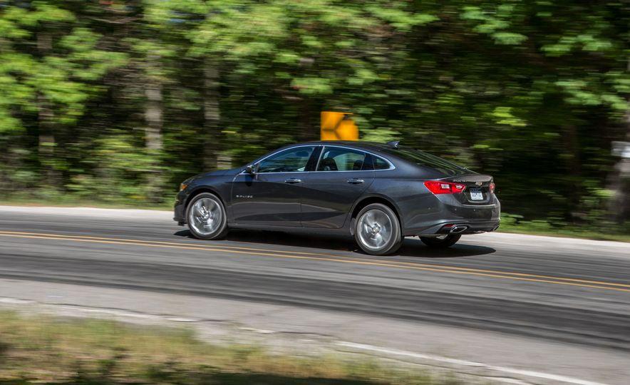2016 Chevrolet Malibu hybrid - Slide 9
