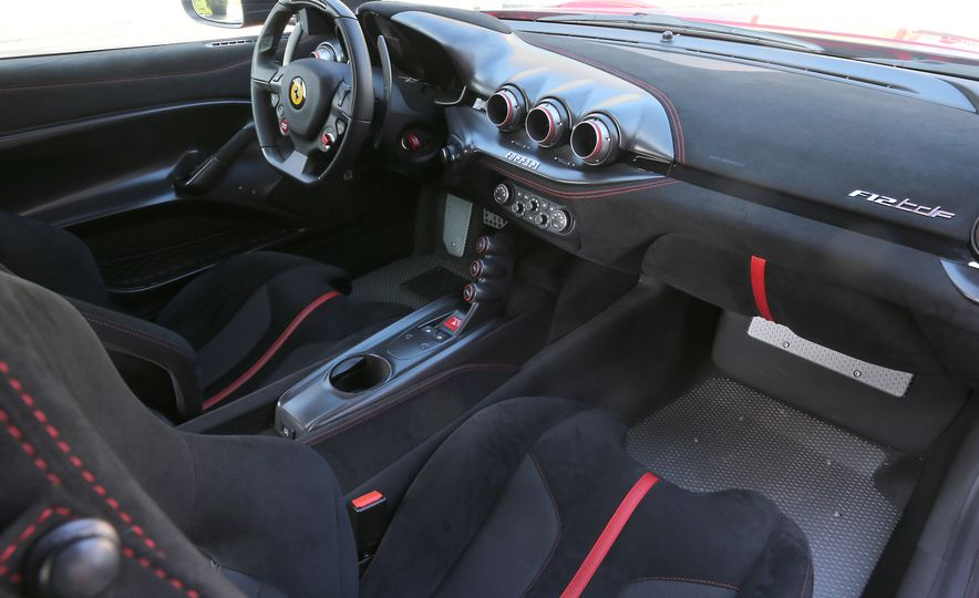 2016 Ferrari F12tdf - Slide 46