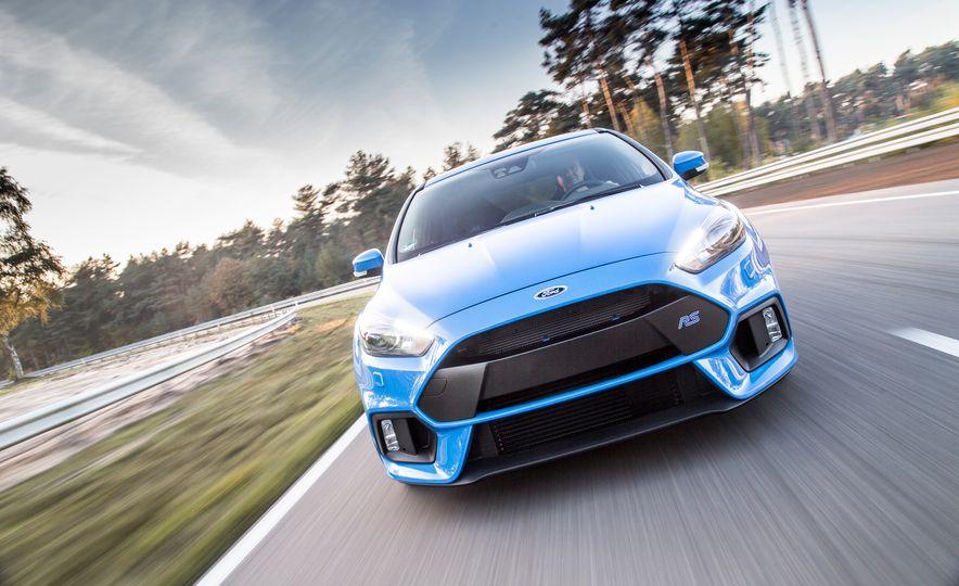 2016 Ford Focus RS - Slide 4