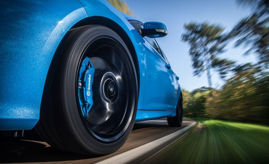 2016 Ford Focus RS - Slide 15