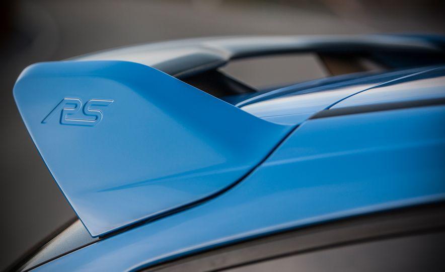 2016 Ford Focus RS - Slide 36