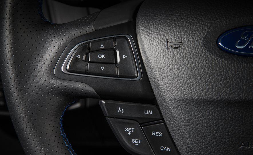 2016 Ford Focus RS - Slide 46