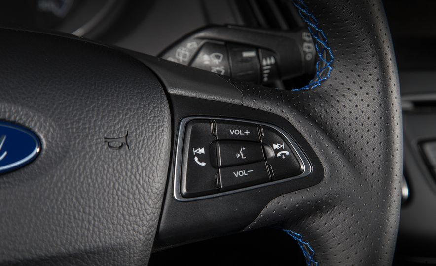 2016 Ford Focus RS - Slide 47
