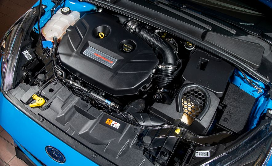 2016 Ford Focus RS - Slide 52