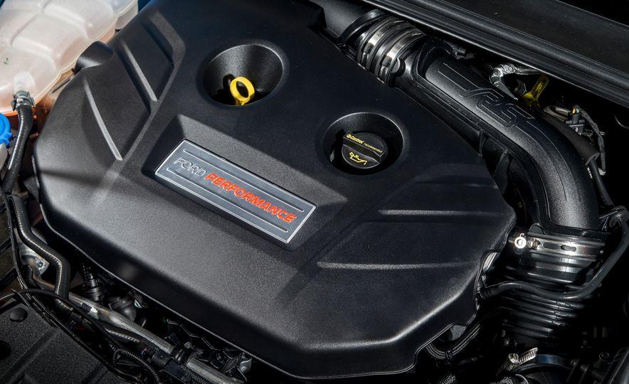 2016 Ford Focus RS - Slide 53