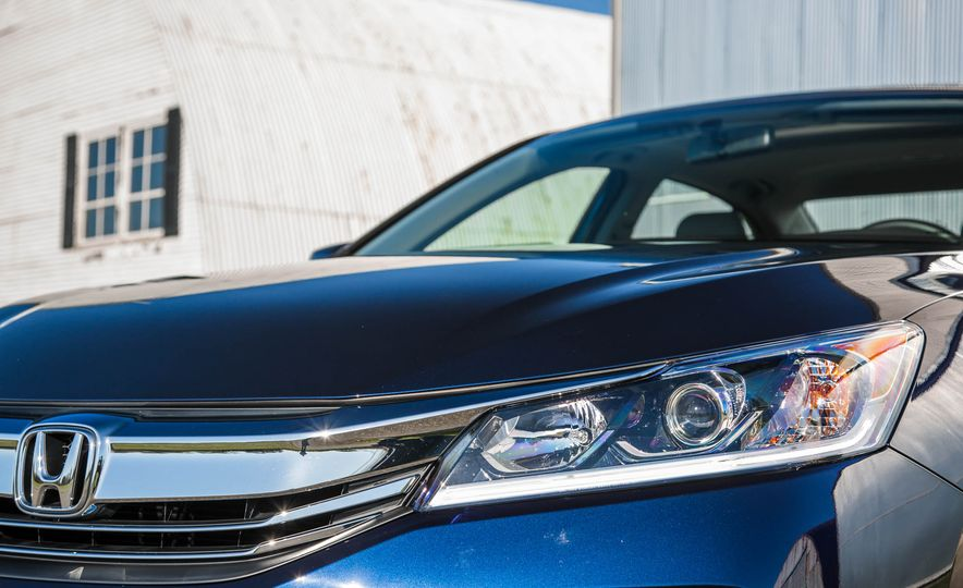 2016 Honda Accord EX - Slide 17