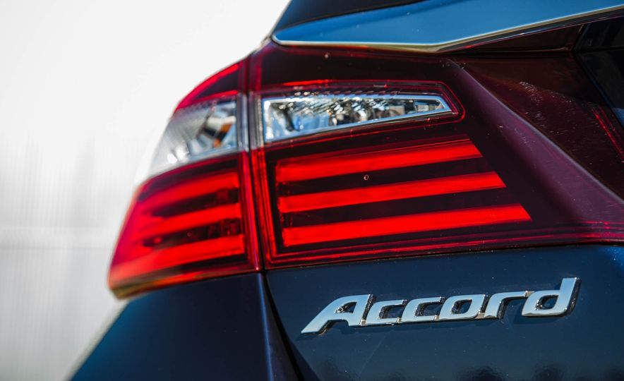 2016 Honda Accord EX - Slide 20