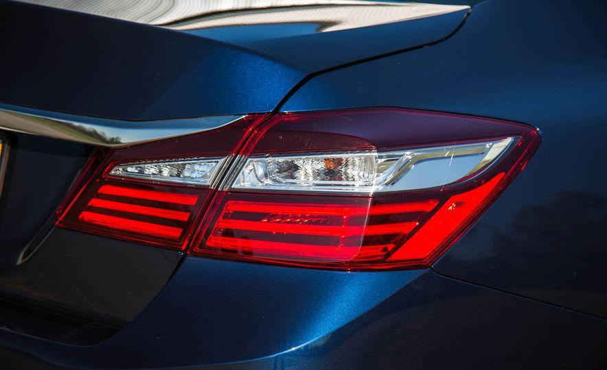 2016 Honda Accord EX - Slide 22