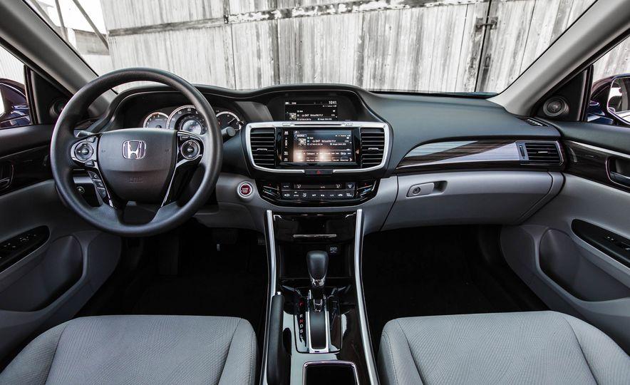 2016 Honda Accord EX - Slide 24