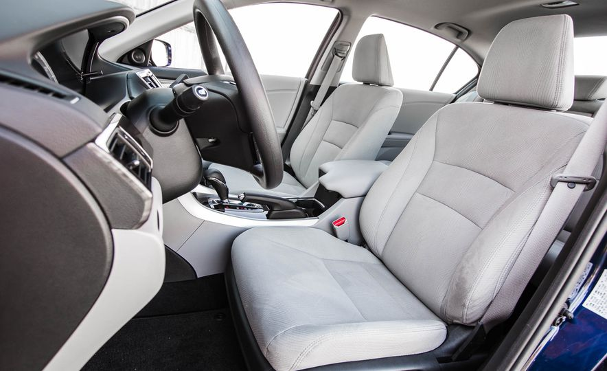 2016 Honda Accord EX - Slide 28