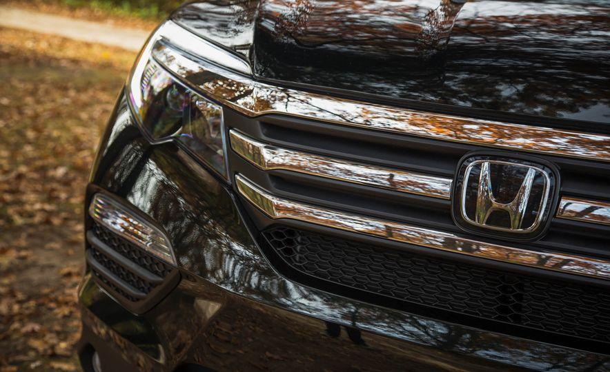 2016 Honda Pilot EX FWD - Slide 18