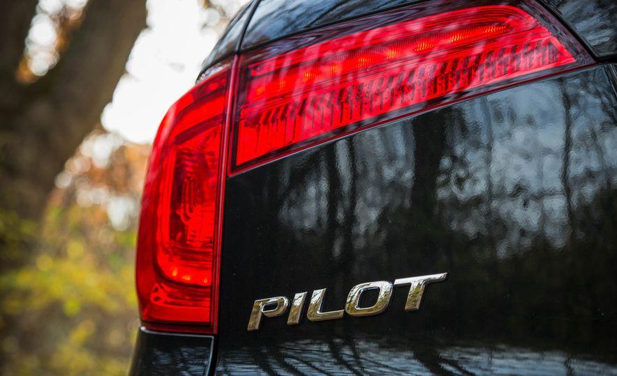 2016 Honda Pilot EX FWD - Slide 25