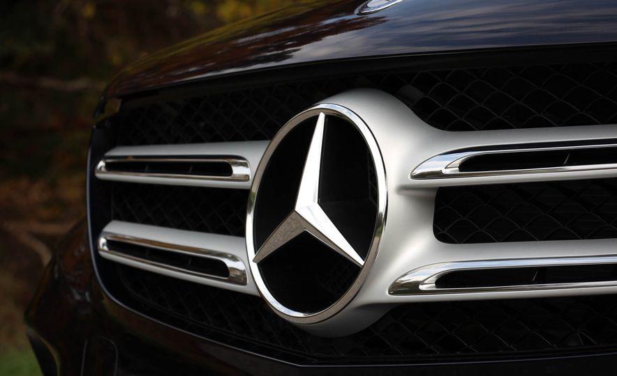 2016 Mercedes-Benz GLC300s - Slide 18