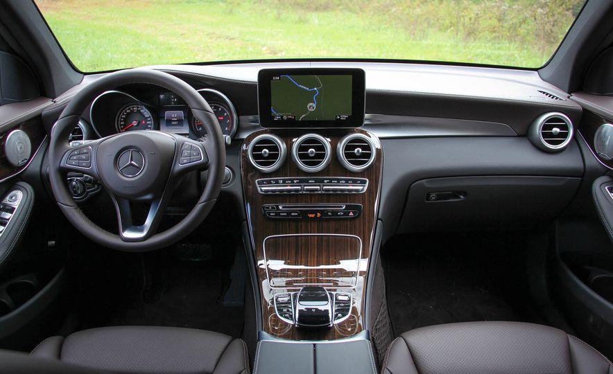 2016 Mercedes-Benz GLC300s - Slide 23