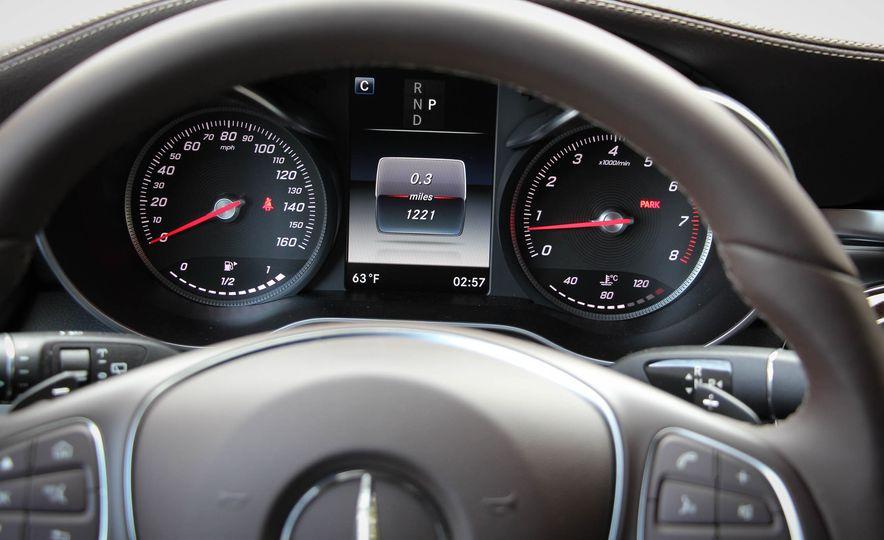 2016 Mercedes-Benz GLC300s - Slide 25
