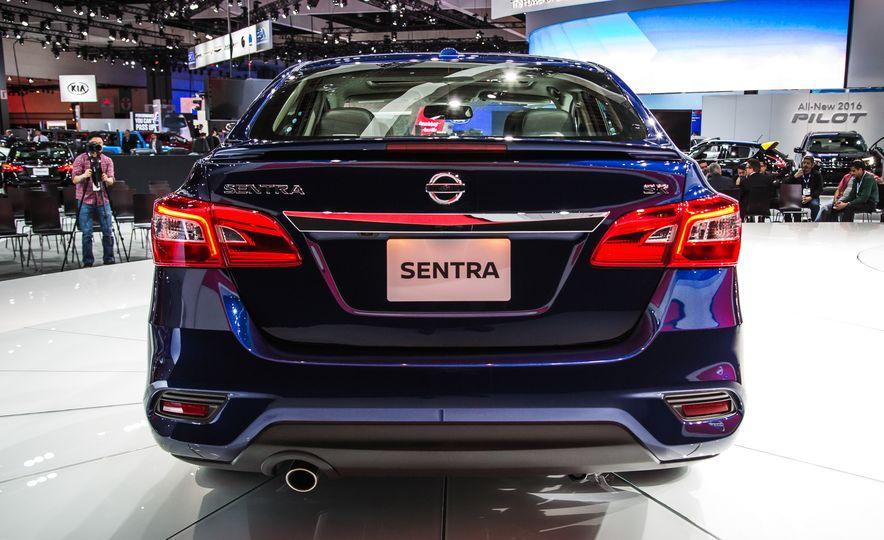 2016 Nissan Sentra - Slide 4