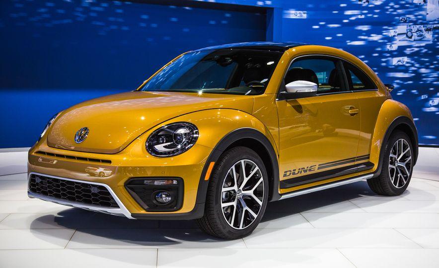 2016 Volkswagen Beetle Dune - Slide 1