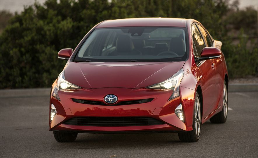5 Things You Should Know About the All-New 2016 Toyota Prius - Slide 2
