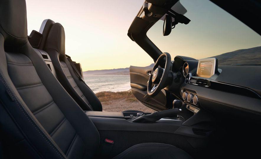 2017 Fiat 124 Spider Prima Edizione Lusso - Slide 27