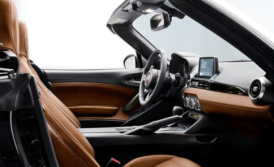 2017 Fiat 124 Spider Prima Edizione Lusso - Slide 2