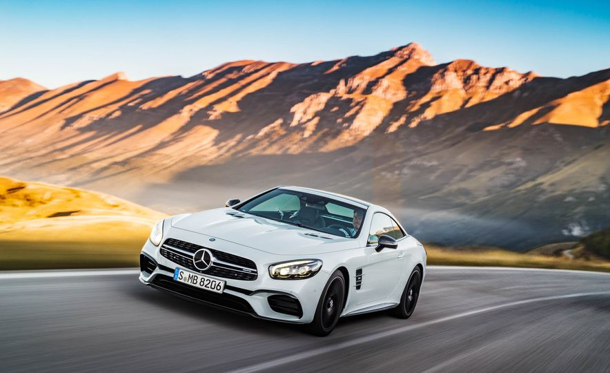 2017 Mercedes-Benz SL 550 - Slide 17
