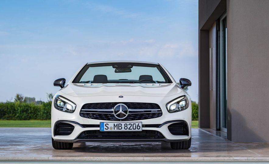 2017 Mercedes-Benz SL 550 - Slide 22