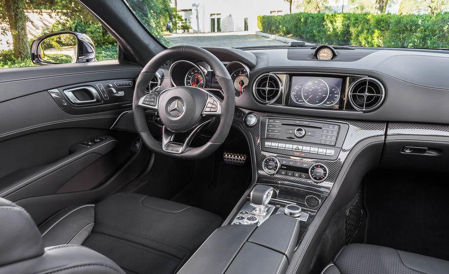 2017 Mercedes-Benz SL 550 - Slide 30