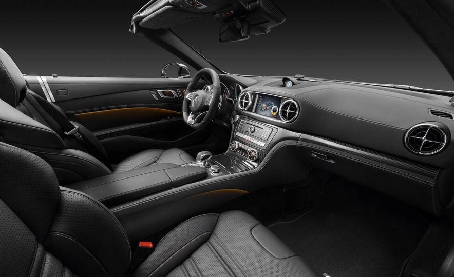 2017 Mercedes-Benz SL 550 - Slide 31