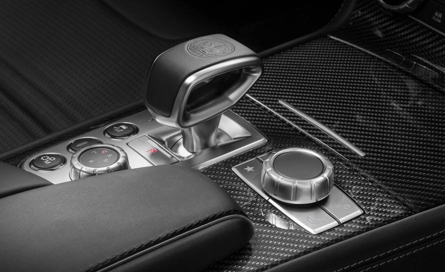 2017 Mercedes-Benz SL 550 - Slide 34