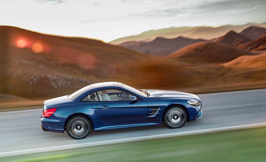 2017 Mercedes-Benz SL 550 - Slide 13