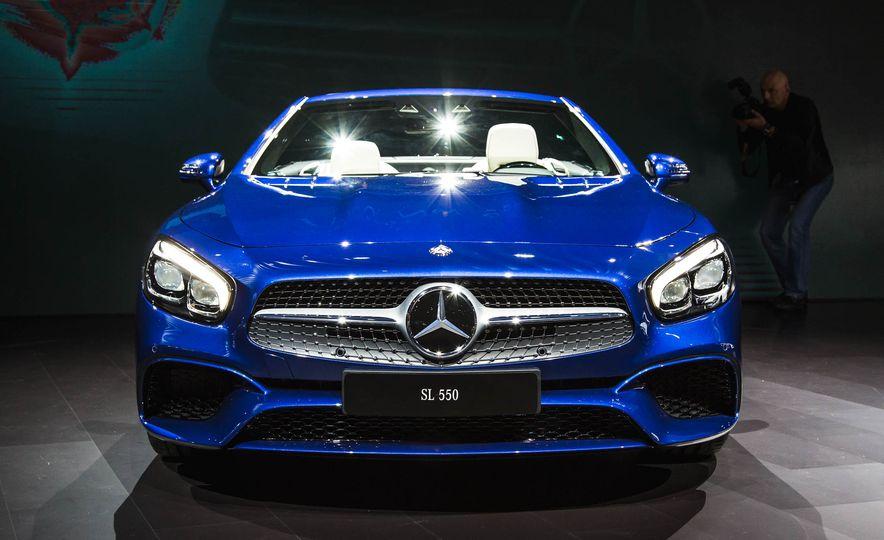 2017 Mercedes-Benz SL 550 - Slide 2