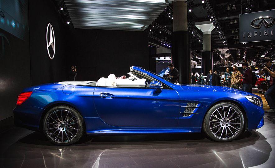 2017 Mercedes-Benz SL 550 - Slide 5
