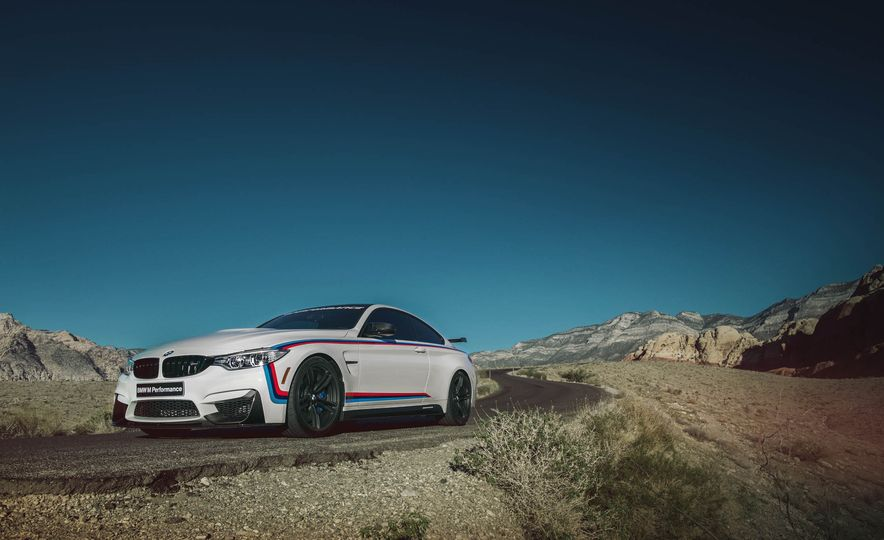 BMW M4 coupe with M performance parts - Slide 3