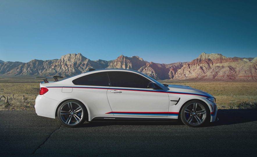 BMW M4 coupe with M performance parts - Slide 5