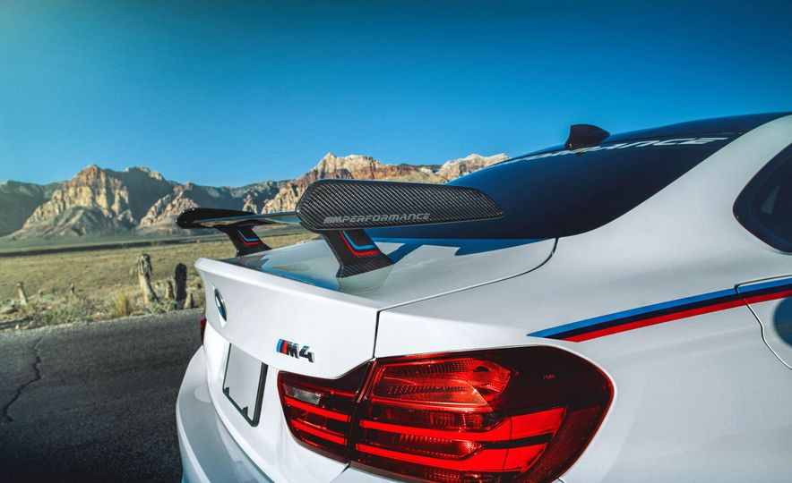 BMW M4 coupe with M performance parts - Slide 6