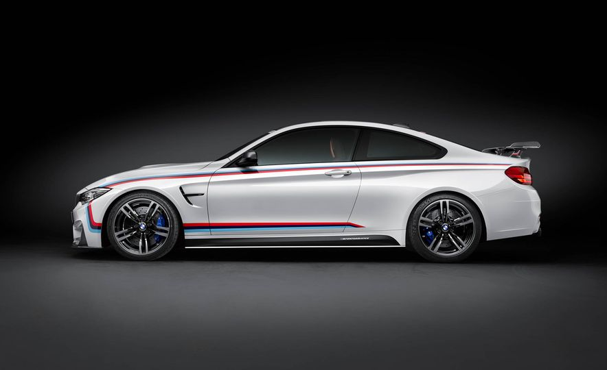 BMW M4 coupe with M performance parts - Slide 9